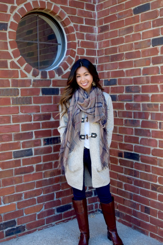 A Touch of Fall: Cardis, Boots and Scarves